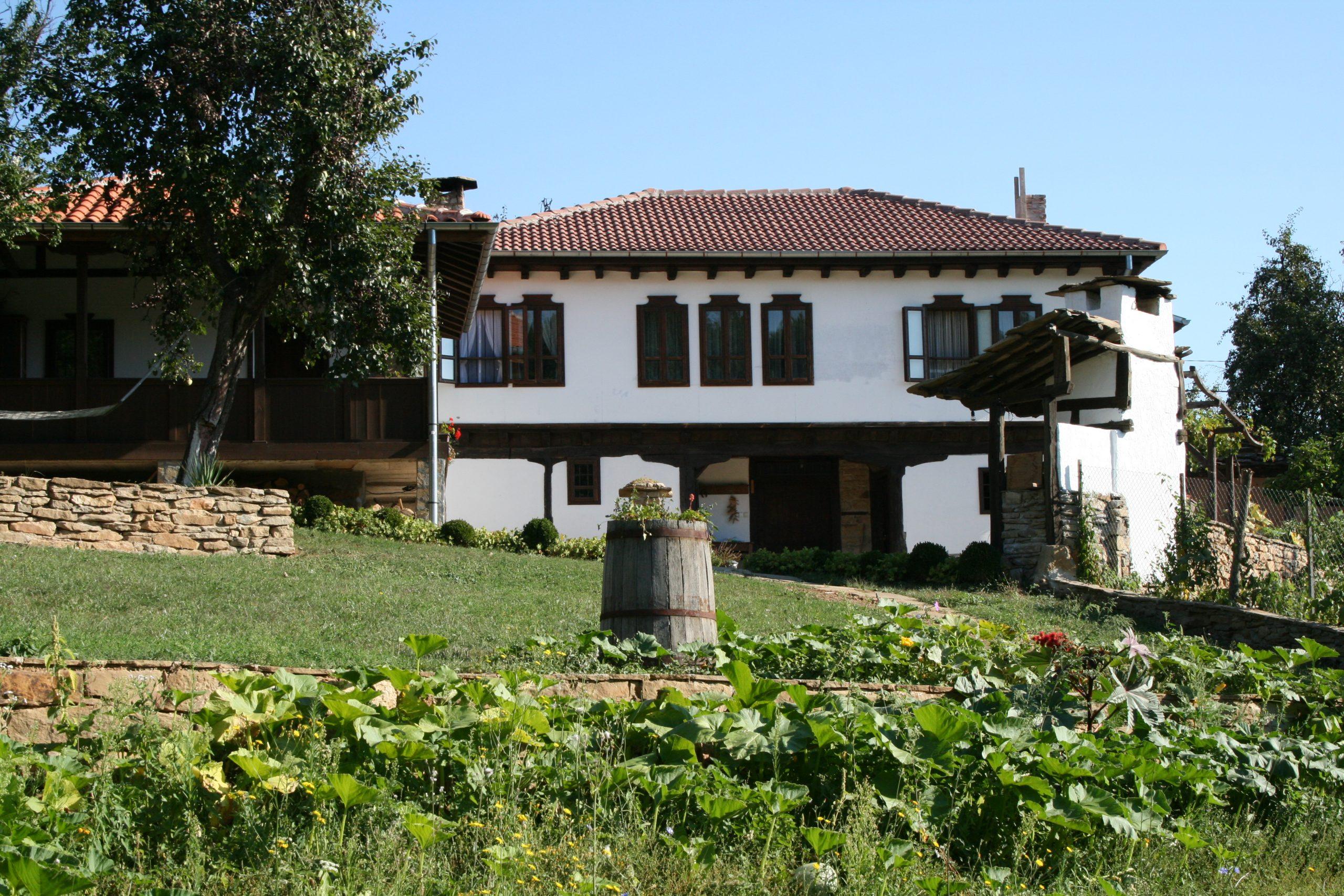 Реставрация на стари къщи - камък и дърво